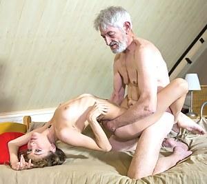 Nude Teen Hardcore Porn Pictures