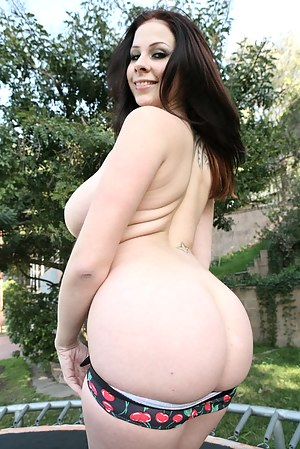 Nude Big Booty Teen Porn Pictures