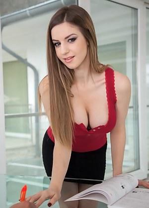 Nude Teen Office Porn Pictures