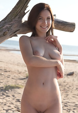 Nude Teen Beach Porn Pictures