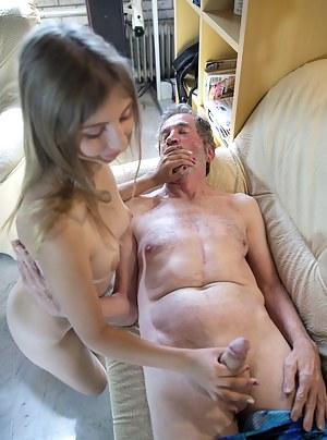 Nude Teen Handjob Porn Pictures